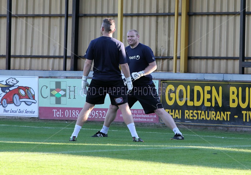 CHIPPENHAM TOWN V TIVERTON TOWN MATCH PICTURES