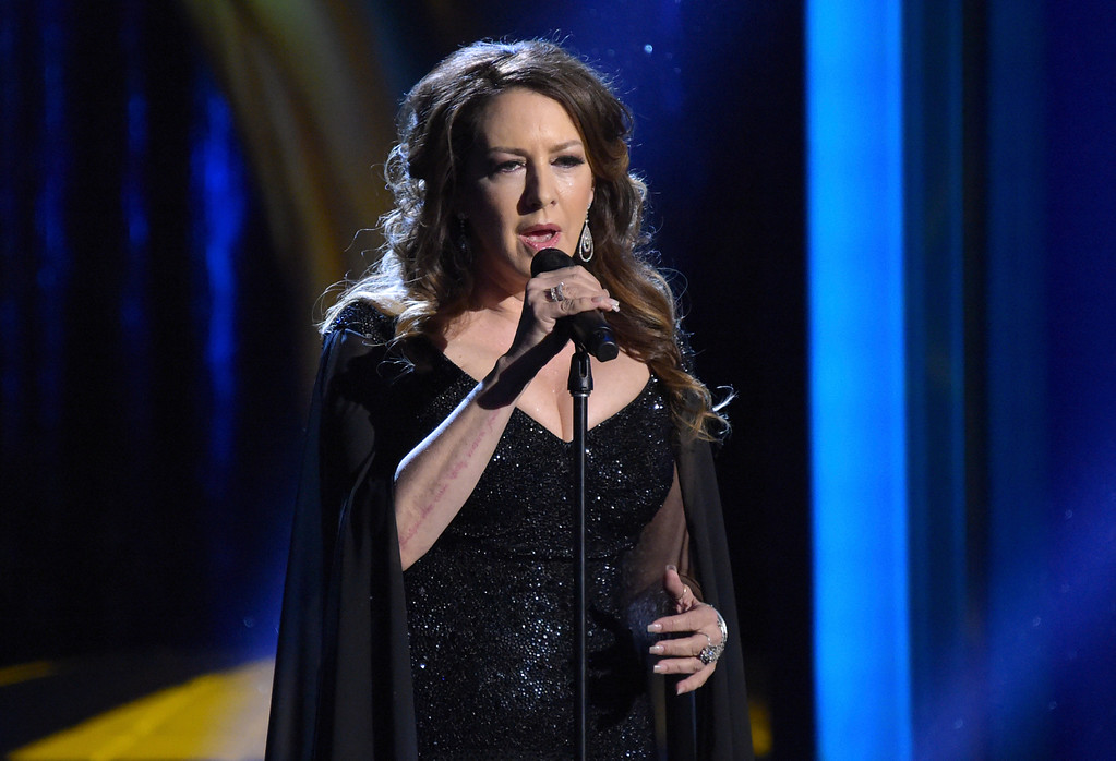 . Joely Fisher performs during an In Memoriam tribute at the 45th annual Daytime Emmy Awards at the Pasadena Civic Center on Sunday, April 29, 2018, in Pasadena, Calif. (Photo by Richard Shotwell/Invision/AP)