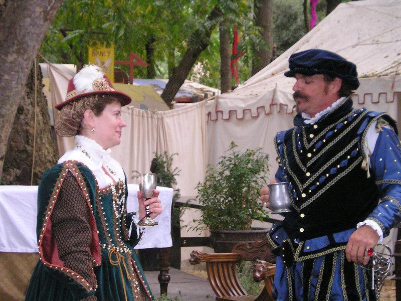 Renaissance Pleasure Faire, Hollister 2006: Elizabethan outfits
