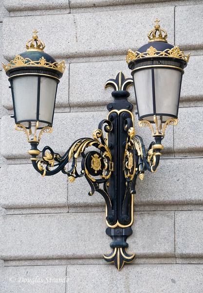 Tue 3/08 in Madrid: Outside light on the Royal Palace wall