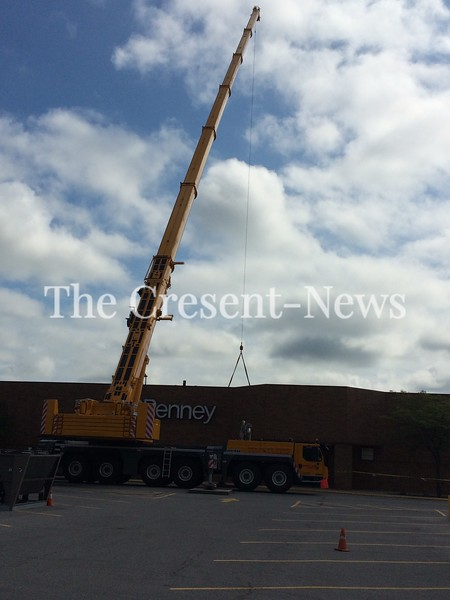 08-30-18 NEWS Crane