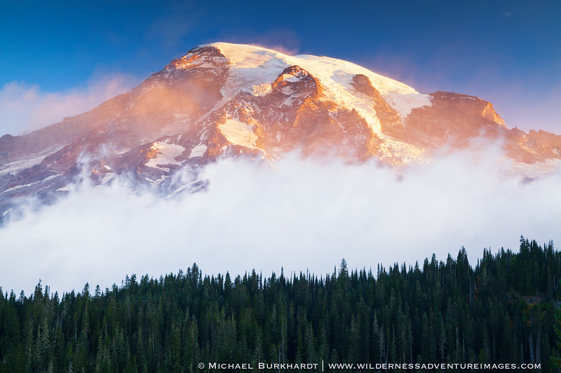 Mount_Rainier_Alpenglow_Morning_251.jpg