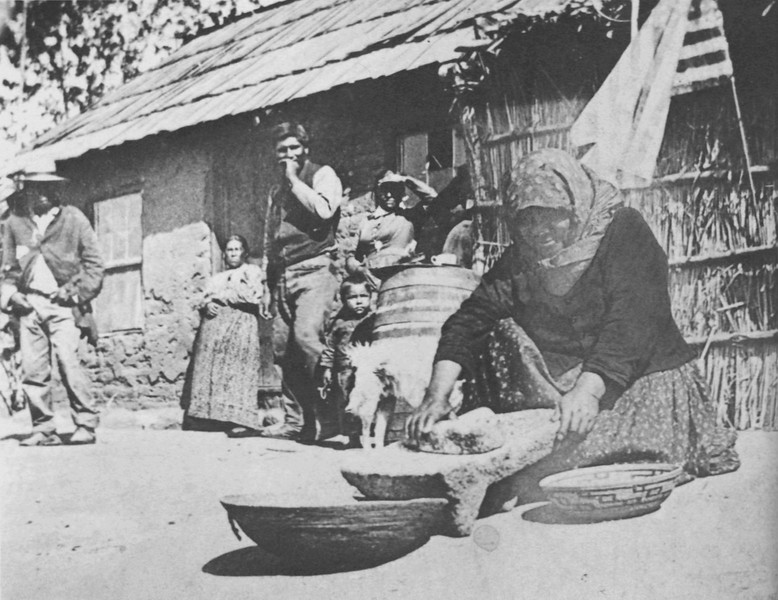 1840, Gabrielino Family