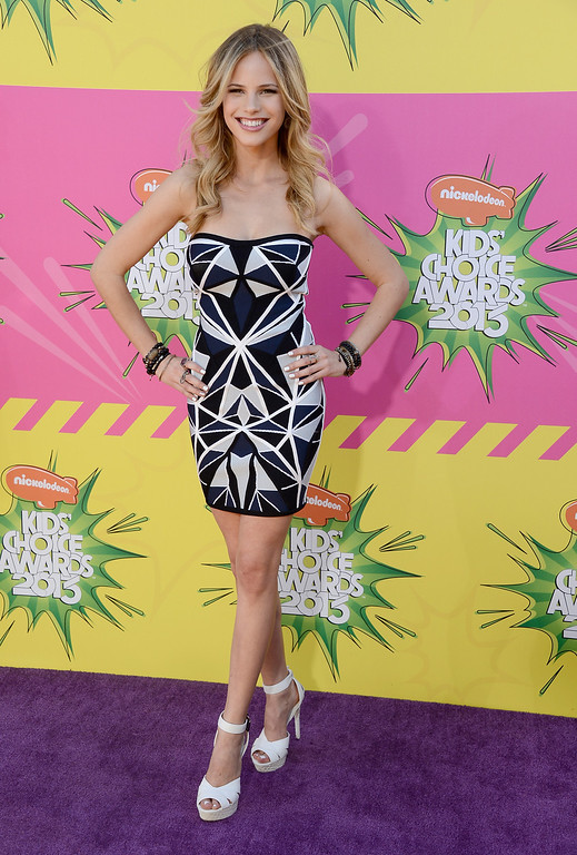 . LOS ANGELES, CA - MARCH 23:  Actress Halston Sage arrives at Nickelodeon\'s 26th Annual Kids\' Choice Awards at USC Galen Center on March 23, 2013 in Los Angeles, California.  (Photo by Frazer Harrison/Getty Images for KCA)
