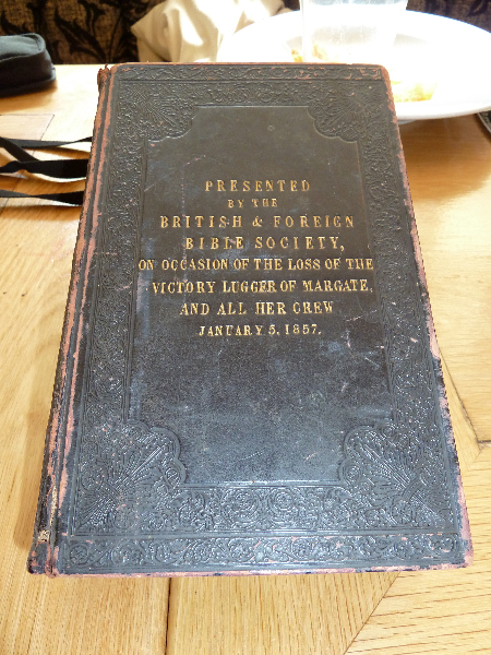 Comemorative Bible.