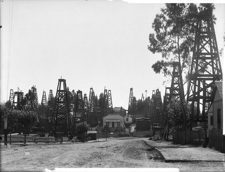 Oil wells on Court Street, ca.1901