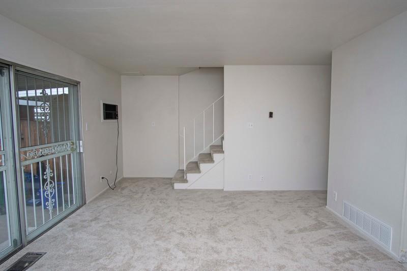 livingroom c.jpg