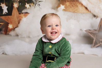 Camilla Christmas Mini Session