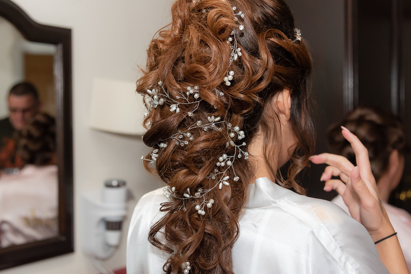 01 Bridal Prep-45.jpg