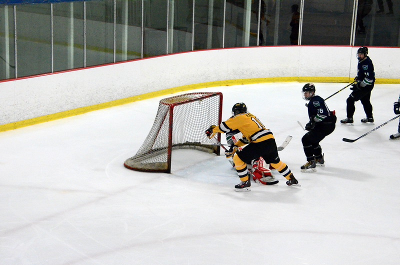 150907 Jr. Bruins vs. Whalers-024.JPG