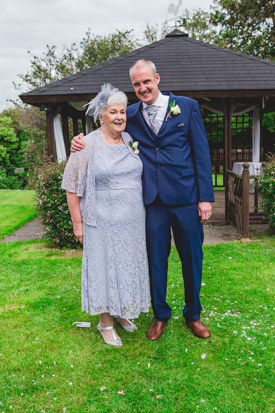 Mr & Mrs Wallington-458.jpg