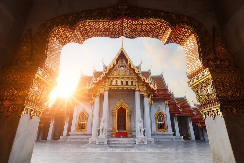 Marble temple, Bangkok copie.jpg