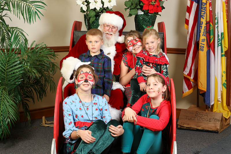 TBTP 2019 Photos with Santa-107.JPG