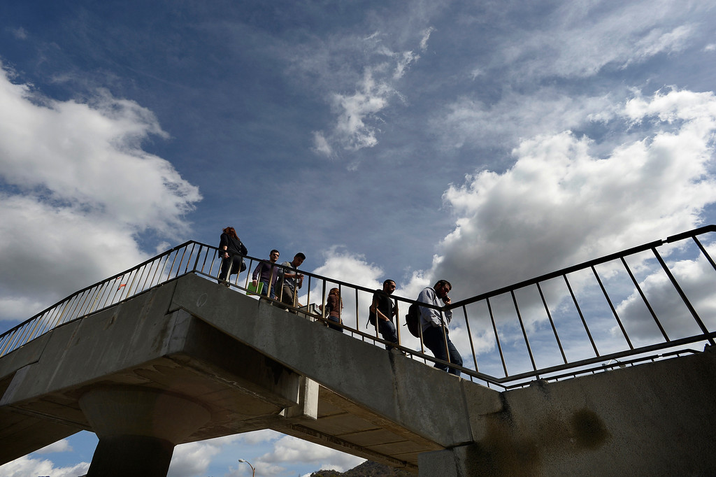 . Students at Glendale Community College use a pedestrian bridge to cross Verdugo Road. Glendale, CA. February 27, 2014 (Photo by John McCoy / Los Angeles Daily News)