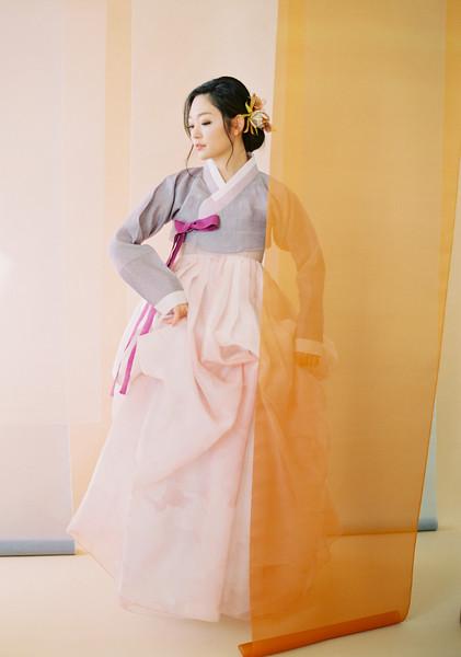 @jazzycho 5'6   Shirt Small   110lbs Ethnicity: Korean Skills: Fluent in Korean, Miss Korea, Expert Television Host