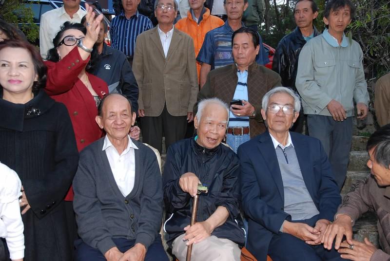1) Thầy An, Nguyên, Châu. 2) Đỗ Kim Anh(VN), Trần Bá, Nguyễn Kim Long, Nguyễn Văn Tý. 3) Khiếu Thắng, Nguyễn viết Vũ, Nguyễn Văn Tý