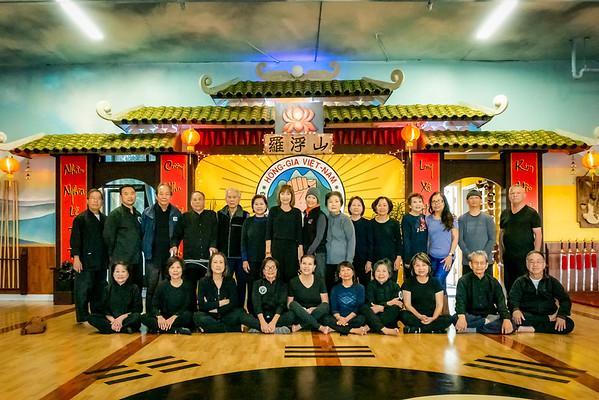 Lớp Vô Cực, Hồng Gia Việt Nam