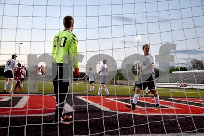 Des Moines Abraham Lincoln @ Fort Dodge Boys Soccer 5/5/17