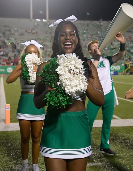 cheerleaders8867.jpg