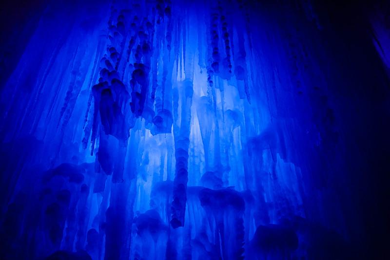 ice_castle_torbang-2.jpg