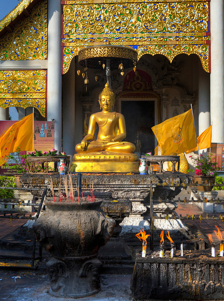 At the Entrance to Wat Chedi Luang in Chiangmai