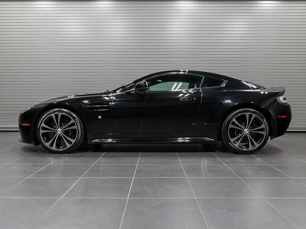 '11 V12 Vantage - Black