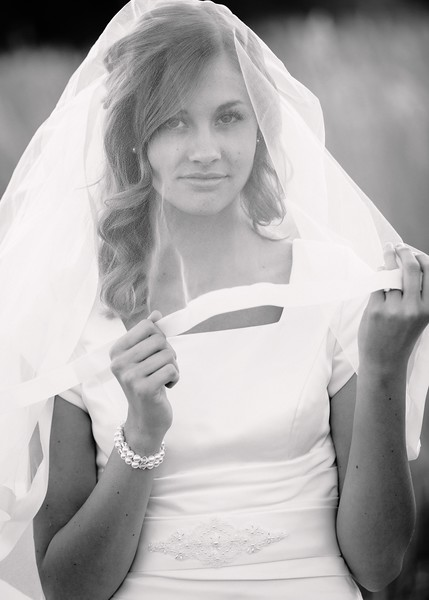 Amy Bridals 103bw.jpg