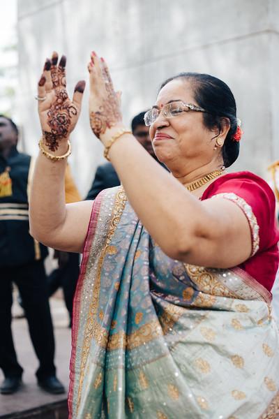 Poojan + Aneri - Wedding Day EOSR Card 1-0917.jpg
