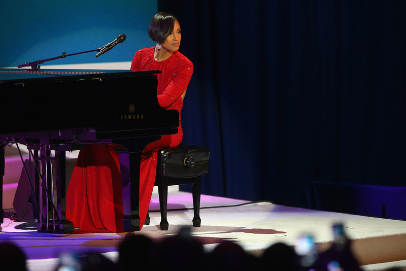 . Singer Alicia Keys performs during the during the Commander-In-Chief\'s Inaugural Ball January 21, 2013 in Washington, DC. President Barack Obama is scheduled to show up at the ball after being sworn in today for his second term in a public ceremonial swearing in.  (Photo by Joe Raedle/Getty Images)