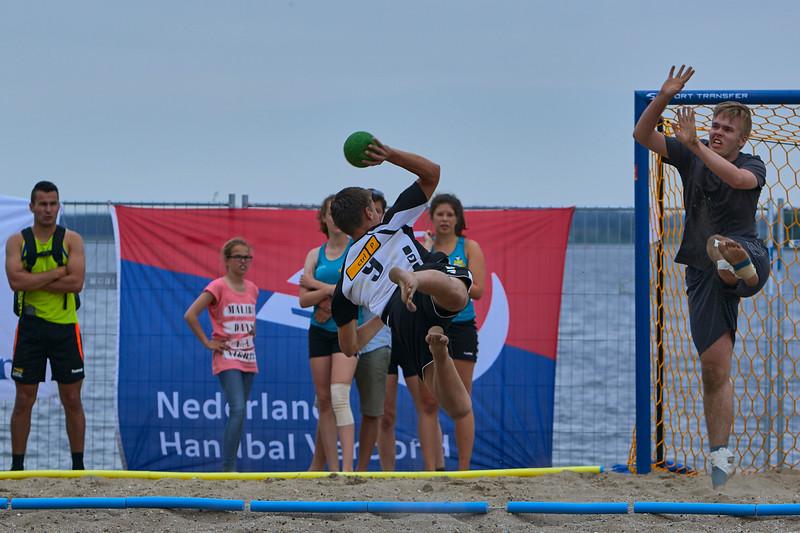 Molecaten NK Beach Handball 2015 dag 2 img 367.jpg