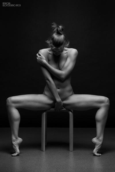 black-and-white-portraits-women-body-bodyscapes-anton-belovodchenko-171.jpg
