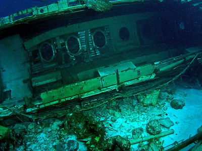 Curacao Scuba Watamula 2 dives, Elvin's Plane Wreck with Ocean Encounters West