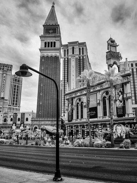 Las Vegas 03 bw.jpg