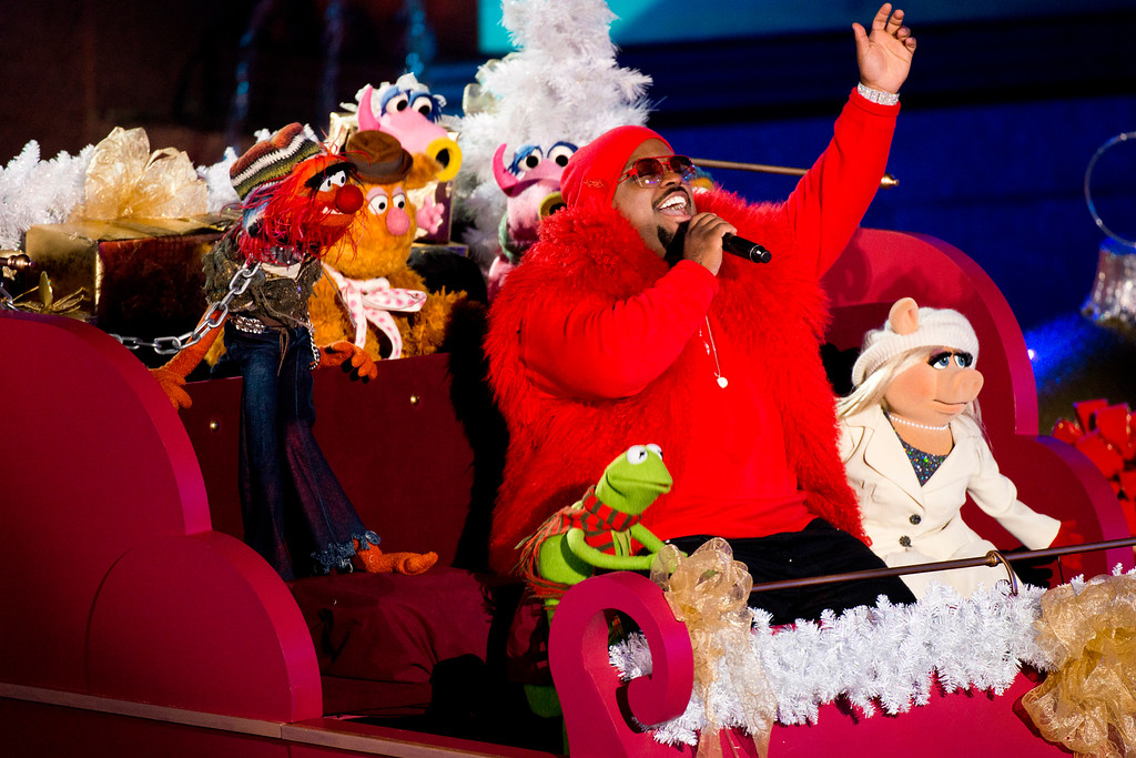. CeeLo Green performs with the Muppets at the 80th annual Rockefeller Center Christmas tree lighting ceremony on Wednesday, Nov. 28, 2012 in New York. (Photo by Charles Sykes/Invision/AP)