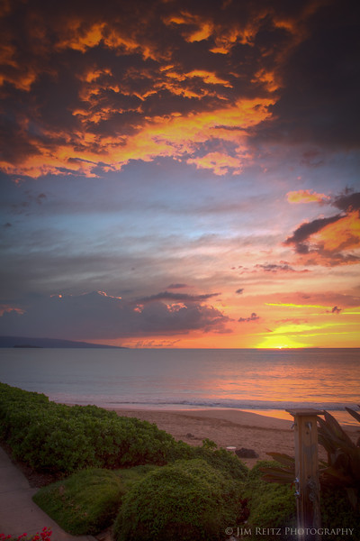 A spectacular sunset on Polo Beach, in front of the Kea Lani hotel.