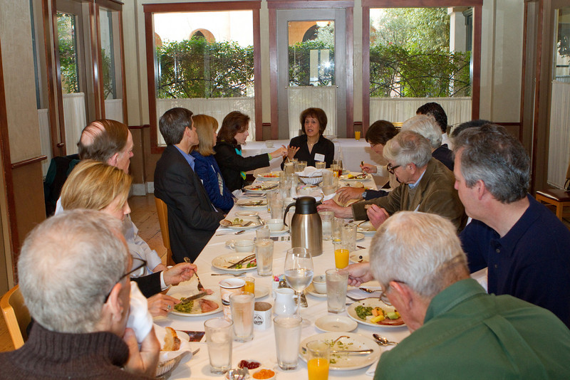 Breakfast discussions of Dartmouth College.