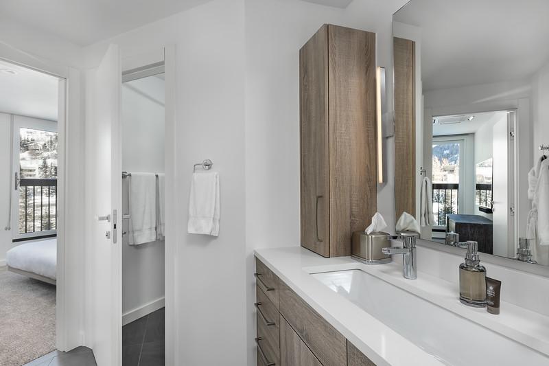 EquityEstates-Vail-Bathroom3-0646.jpg