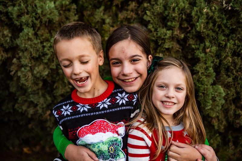 Christmas Sweater Cousins 2020-6781.jpg
