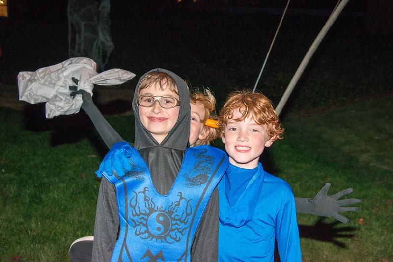 Halloween on Runnemede-18.jpg