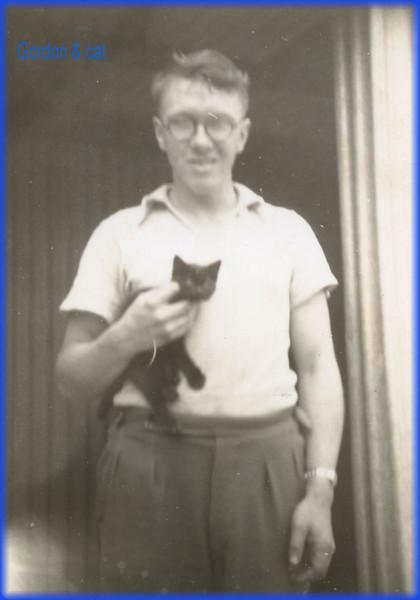 Gordon & cat575.jpg