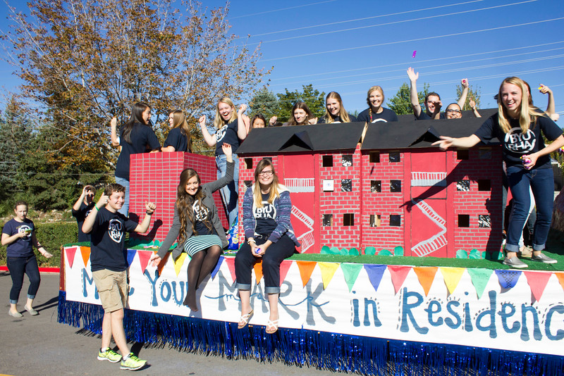 2015_10_10_Homecoming_Parade_7708.jpg