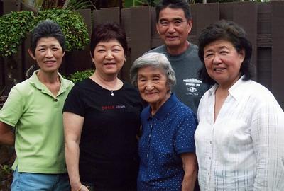 12-11-2011 Midori Nakahara & Family