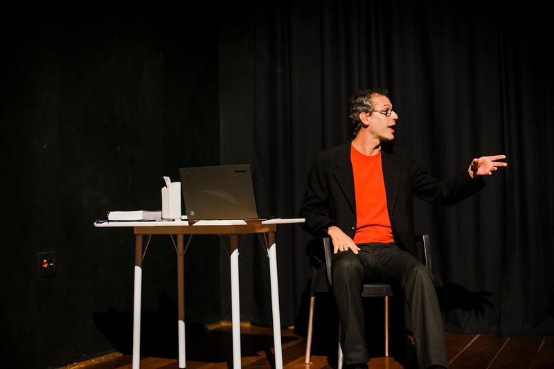 Allan Bravos - essenCIA Teatro - Reexistencia-23.jpg