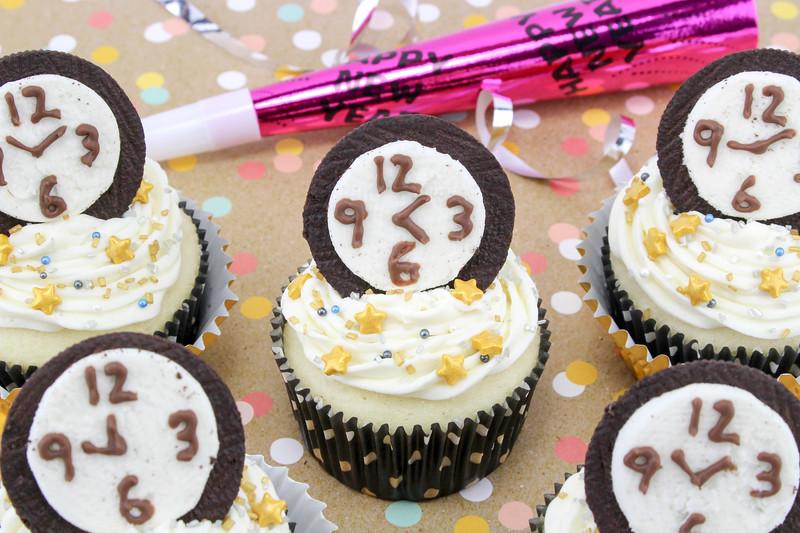 New Year's Eve Countdown Cupcakes 6.jpg