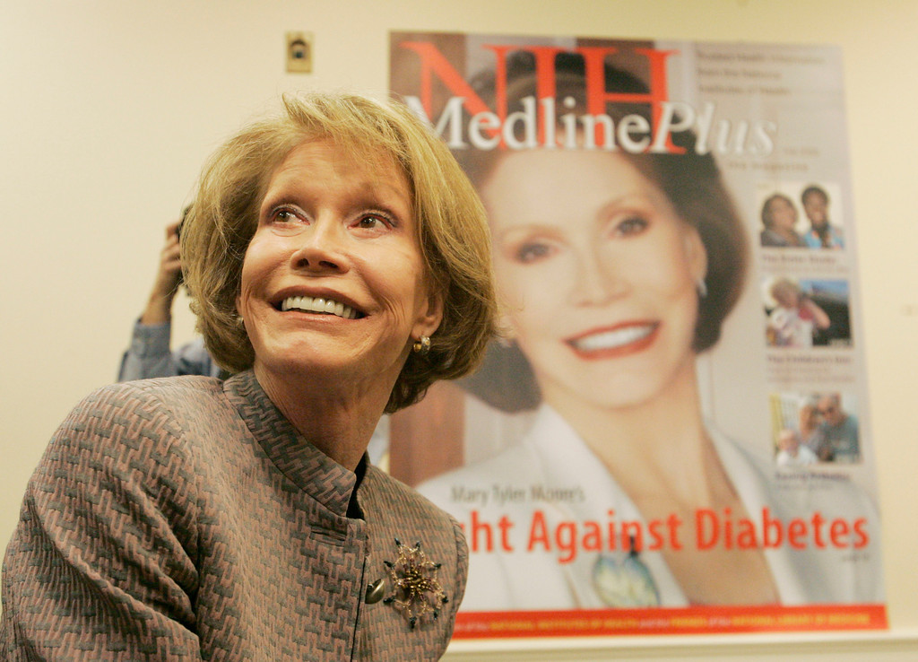 . Actress Mary Tyler Moore is seen at a National Institutes of Health news conference on Capitol Hill in Washington, Wednesday, Sept. 20, 2006 to launch a new effort to share accurate, bias-free medical news.  (AP Photo/Pablo Martinez Monsivais)