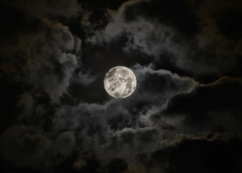 NEA_2798-7x5-Moon-Clouds.jpg