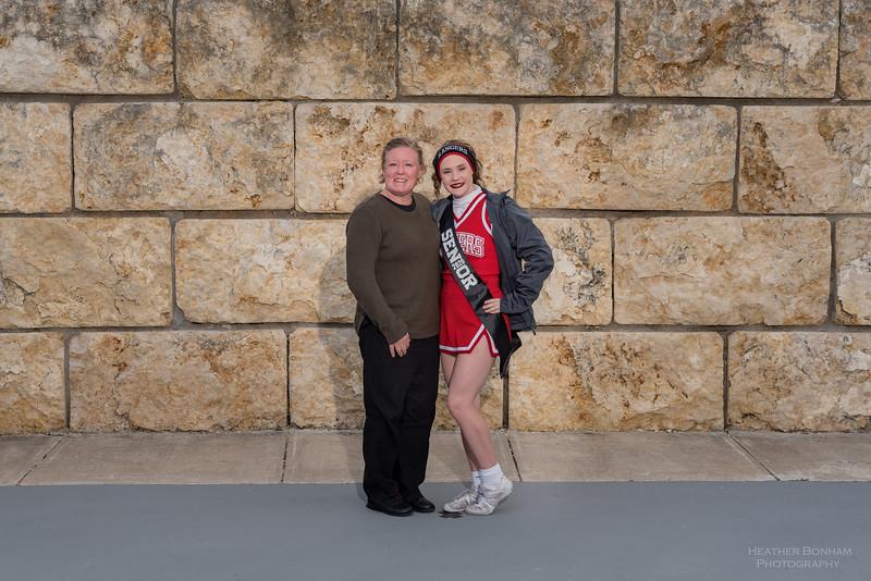 2019 Cheer seniors-4.jpg