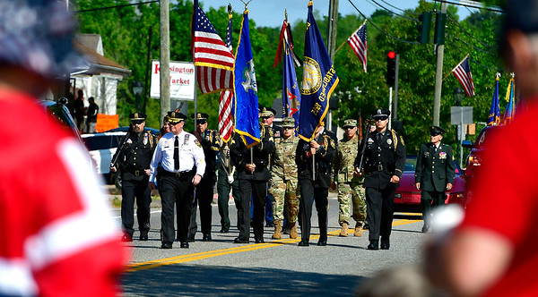 5/25/2019 Mike Orazzi | Staff The start of the Berlin Memorial Day Parade on Saturday along Farmington Avenue.