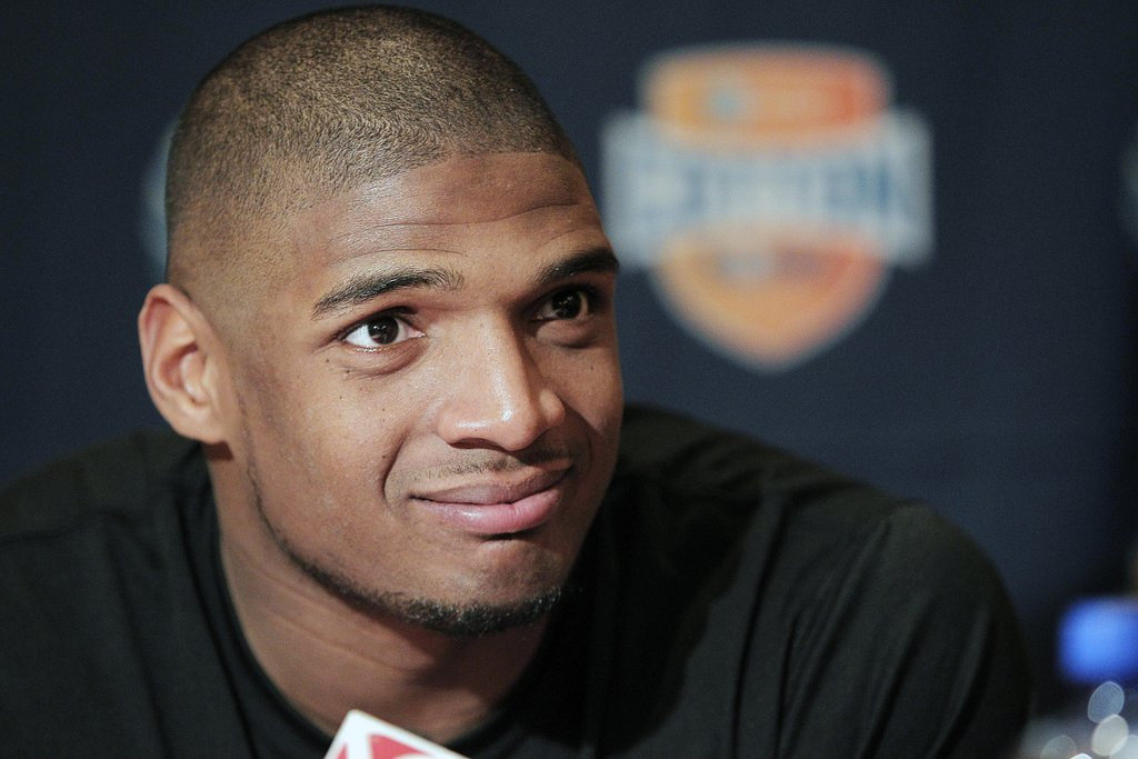 ". <p>1. MICHAEL SAM <p>Vikings likely to draft him to strengthen their Chris Kluwe Lawsuit Defense. (unranked) <p><b><a href=\'http://sportsillustrated.cnn.com/college-football/news/20140209/michael-sam-draft-stock/\' target=""_blank\""> HUH?</a></b> <p>   <p>OTHERS RECEIVING VOTES <p> Obamacare, Terry Ryan, Rick Adelman, Johnny Quinn, Richard Petty & Danica Patrick, cockfighting, McDonald�s in Vietnam, Washington Redskins, Minnesota Timberwolves, Woody Allen, Simon Cowell, The Family Pitino, Alex Rodriguez, Joe Biden, Vikings seat licenses, Marcus Smart, Clint Eastwood, Lake Superior, George Soros, Bode Miller, George Zimmerman & DMX, Justin Bieber, World Trade Center ice, Kris Letang, Thiago Silva, AOL, Ashley Wagner, Maurice Cheeks, Jesse Ventura. <p> <br><p> You can follow Kevin Cusick at <a href=\'http://twitter.com/theloopnow\'>twitter.com/theloopnow</a>.      (AP Photo/Brandon Wade, File)"