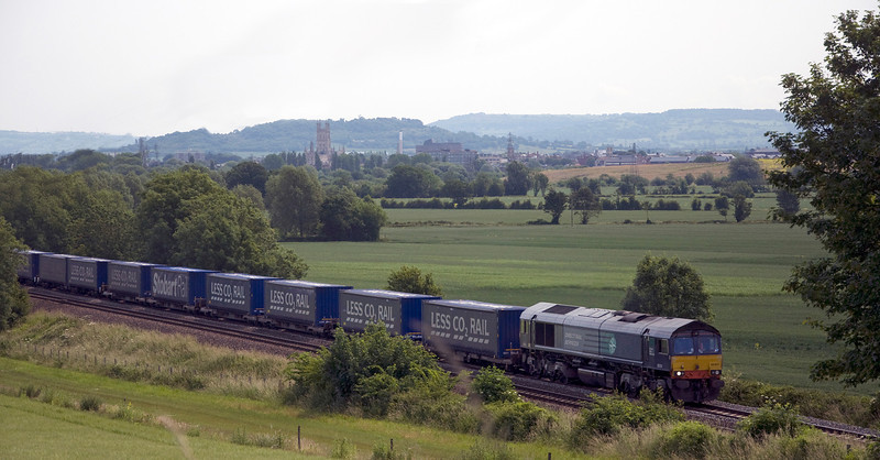 66304 heads south at Highnam bridge with the 0823 Daventry to Wentloog tesco intermodal on the 26th of June 2013. I've photoshopped some power lines out of this shot.